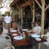 Xudum Delta Lodge: Enjoying some refreshments in the wonderful lodge