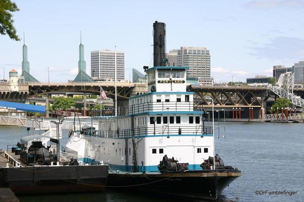 033 Oct 17 2013 Portland Willamette River and Portland ship