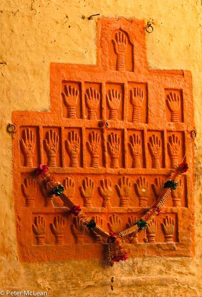 7 - suttee handprints at Jodphur fort-3315