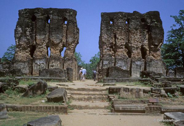 Sri-Lanka-2001-Polonnaruwa-005