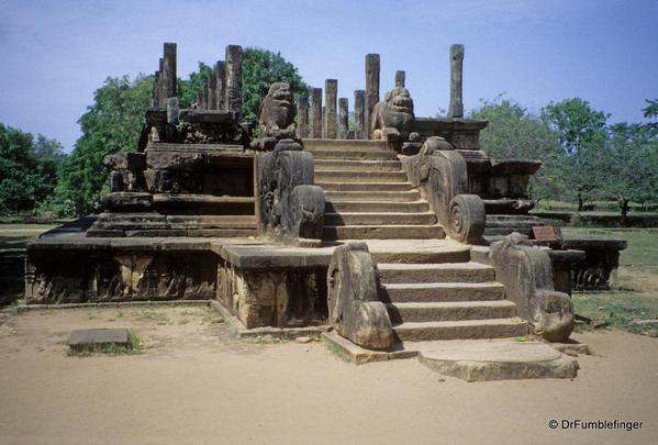 Sri-Lanka-2001-Polonnaruwa-007