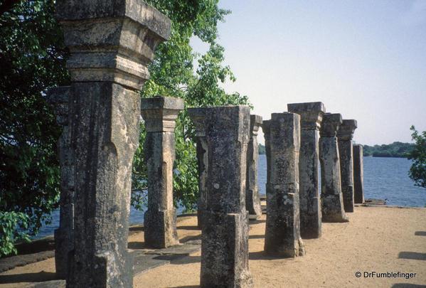Sri-Lanka-2001-Polonnaruwa-032