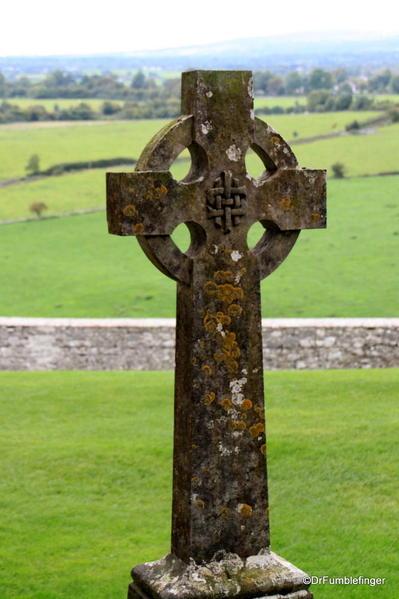 Rock-of-Cashel-2013-087 Celtic Cross, Cemetery