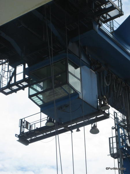 Container crane operator loading Rigoletto.