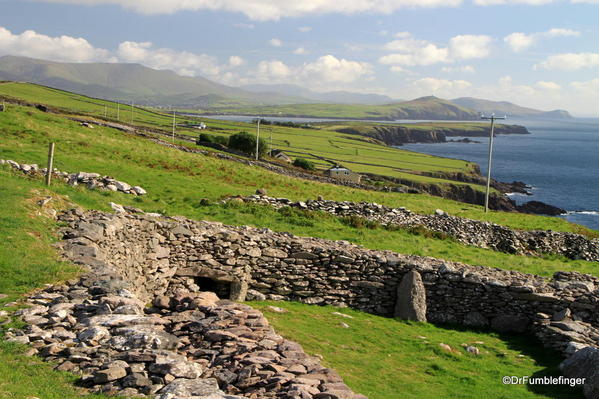 Dingle Peninsula, Beehives and old fort