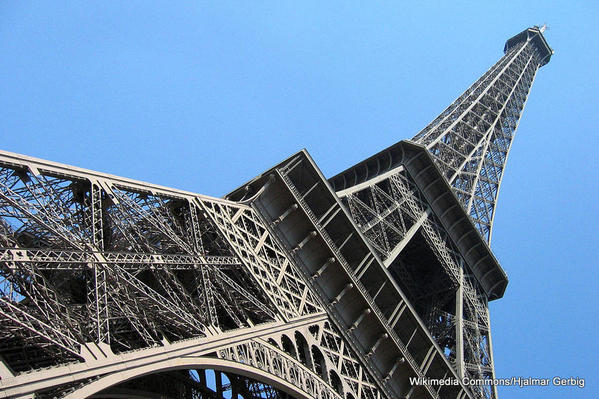 1-Worm's Eye View of Eiffel Tower