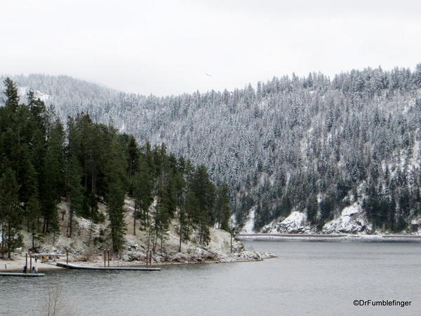 Lake Coeur d'Alene. Higgin's Point, Wolf Lodge Bay