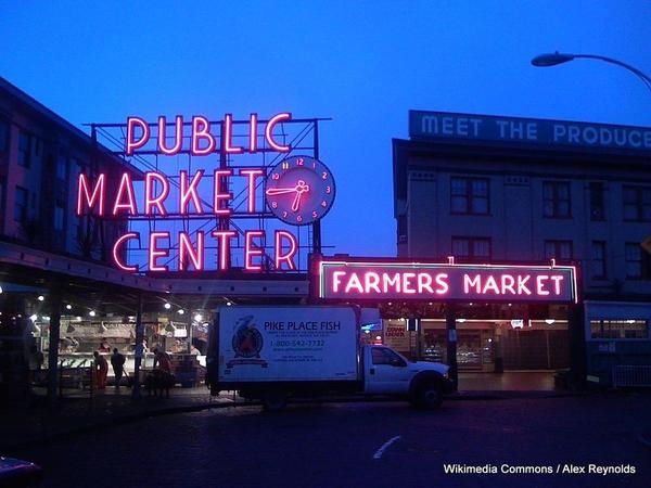 1-1024px-PikePlaceMarket