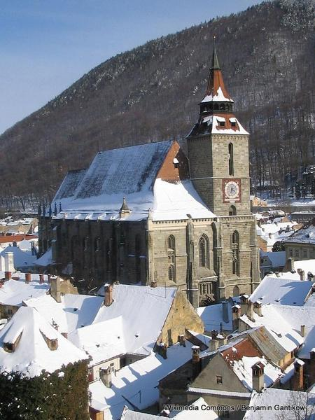 1-768px-Brasov_black_church_winter_2006-03-08