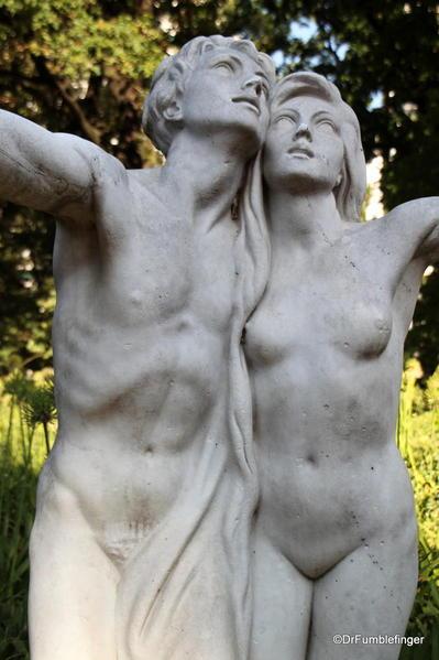 Buenos Aires, Jardin Botanico. Statue