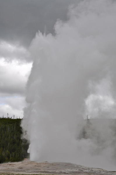 016 Old Faithful Geyser
