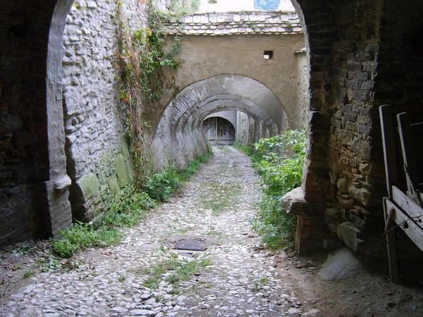 Biertan_fortified_church_entrance