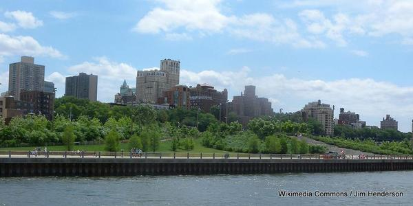 1024px-BBP_Pier_1_hill_NYWw_jeh