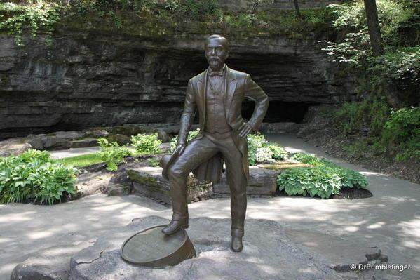 Lynchburg -- Jack Daniel's statue