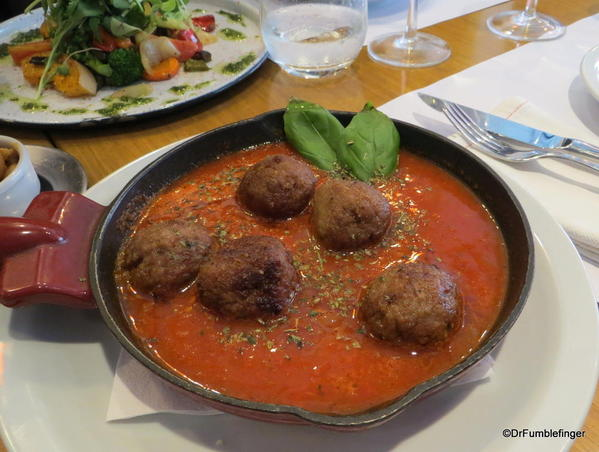Cafe San Juan, San Telmo. Meatballs and tomato sauce