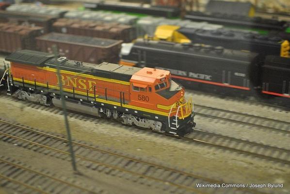 BNSF_Locomotive_at_San_Diego_Model_Railroad_Museum.