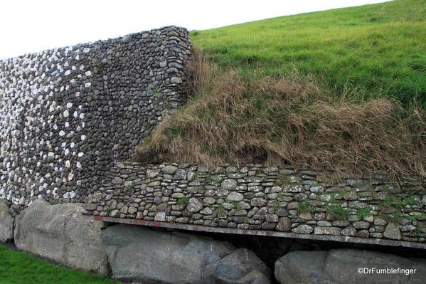 End of the rock wall, Newgrange tomb