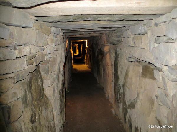 Passage tomb, Knowth