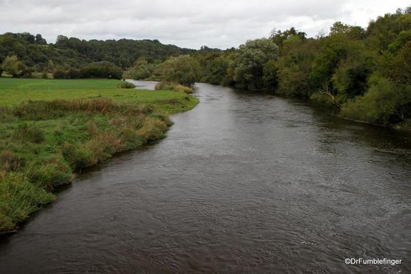 Boyne River by Brú na Bóinne Visitor Center