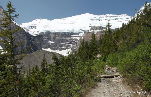 Mt. Victoria and Trail to Plain of Six Glaciers