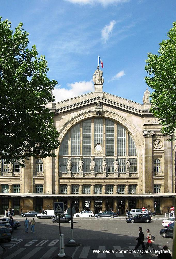 paris mairie of the 10e arrondissement where gumbo was 50 travelgumbo. Black Bedroom Furniture Sets. Home Design Ideas