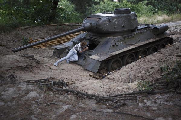 WS exploring a tank