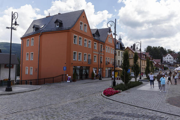 Main Street Swieradow