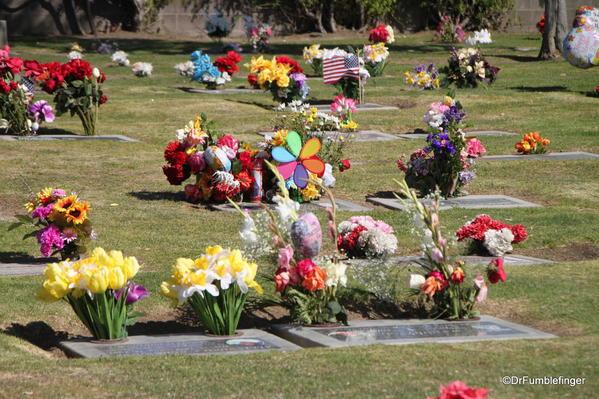 Salinas' Garden of Memories Cemetery. Mother's Day flowers