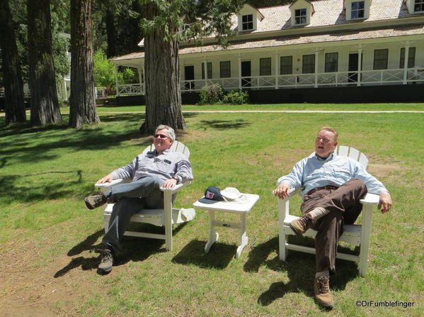 DrFumblefinger (L) and Neil McAleer (R) enjoying a pleasant afternoon at the Wawona Hotel, Yosemite National Park