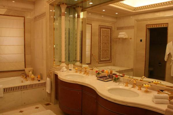 Presidential suite bathroom, Saudi Arabia Riyadh Ritz Carlton 116
