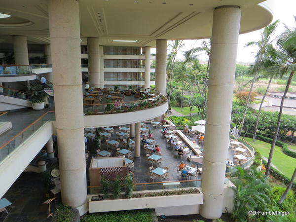 Main dining room and lounge of the Hapuna Beach Prince Resort