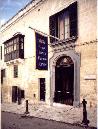 Facade-Casa-Rocca2