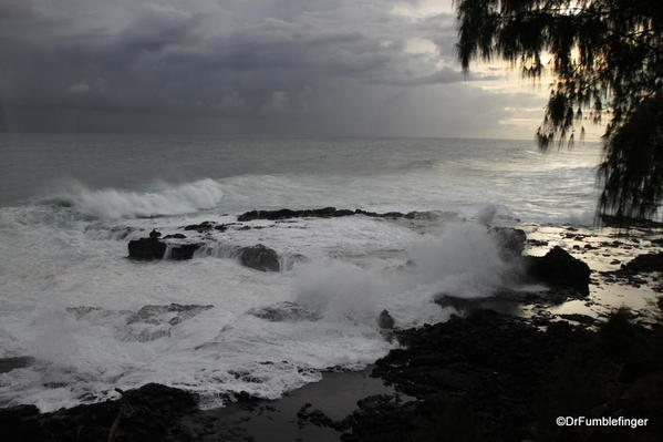Hurricane Ana approaches Kauai's southern shore