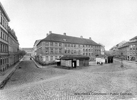 440px-Hackescher_Markt_1871