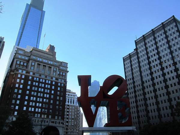Love sculpture, Philadelphia
