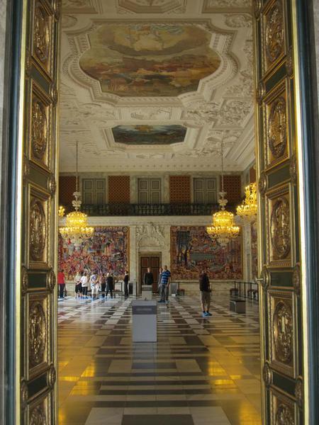 4 - Christiansborg