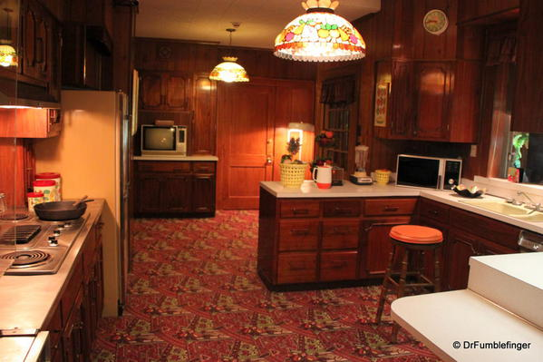 Graceland, Kitchen