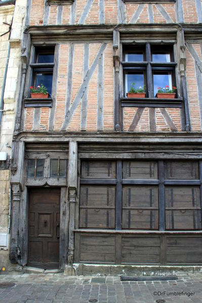 Half-timbered building, Chinon