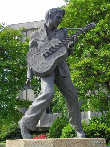 Gumbo S Pic Of The Day January 8 2015 Statue Of Elvis