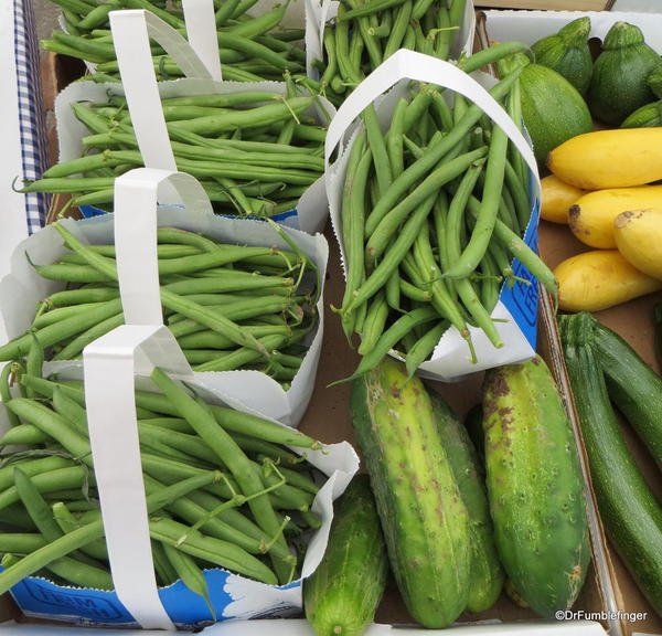 09 Minturn Market
