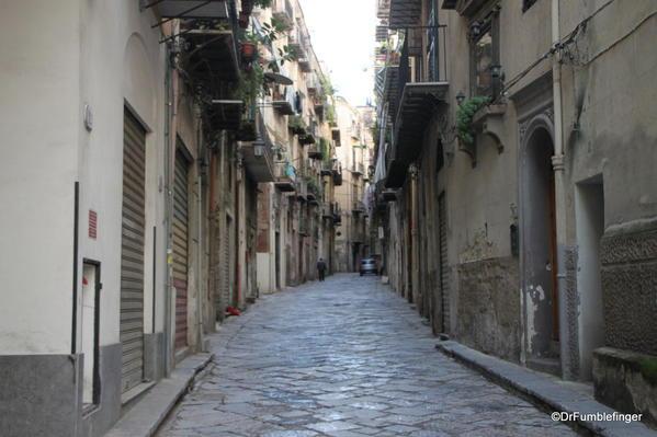 Narrow lane, Palermo