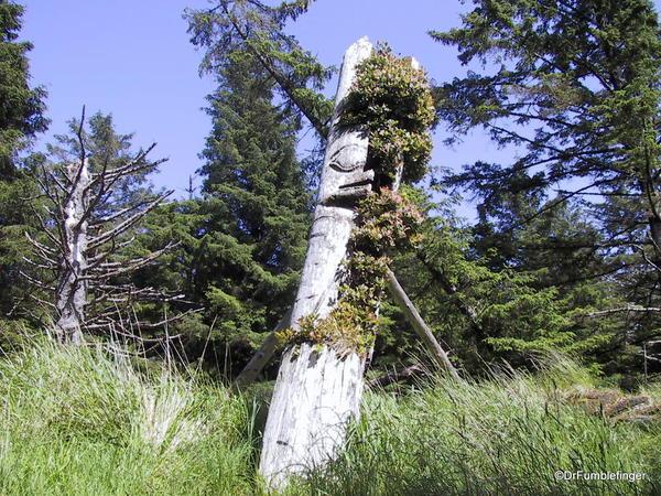 Louise Island, Haida Gwaii, Skedans Village Eagle Mortuary Pole