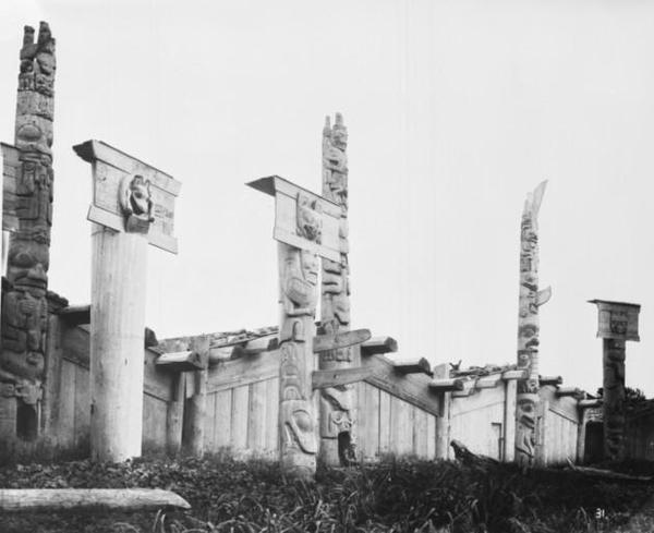 Skedans. Haida totem pole village Skedans 1878 LAC-PA-038148 Photo by George M Dawson, courtesy of the Library and Archives of Canada