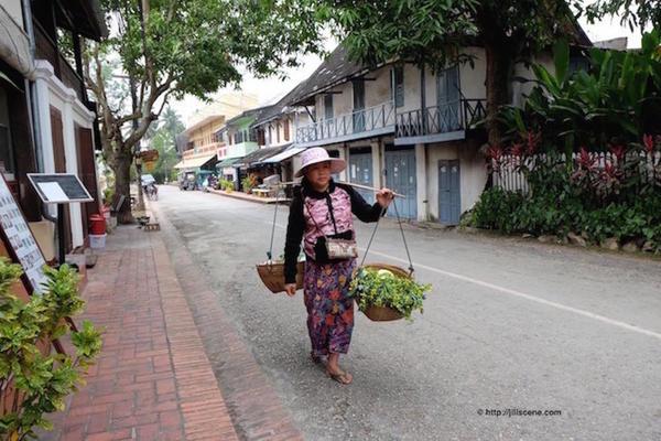 1). Street vendor