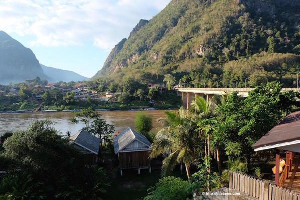 8). Nong Khiaw