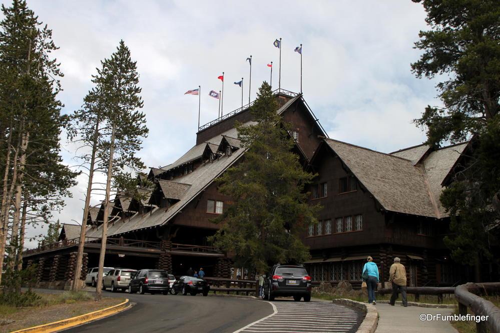 Old faithful inn yellowstone national park where gumbo for Hotels yellowstone national park