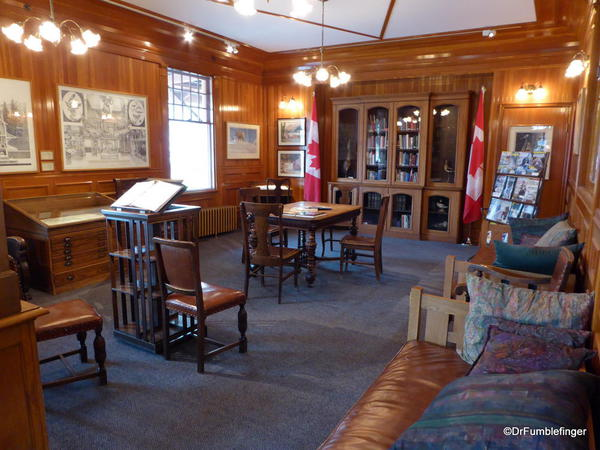 Banff Park Museum, Library