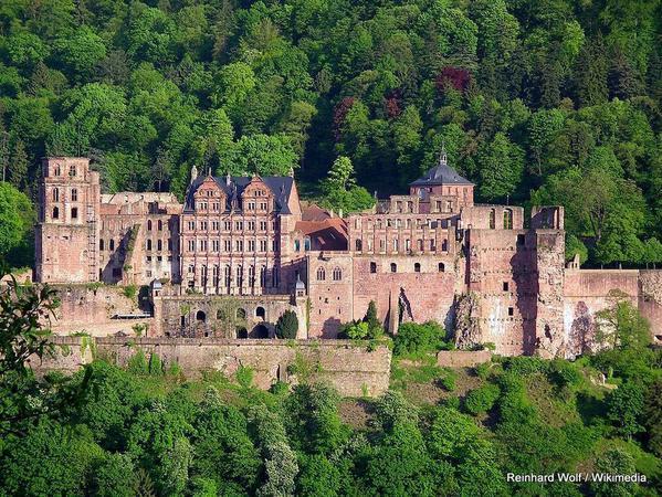 1022px-Heidelberg-Schloß