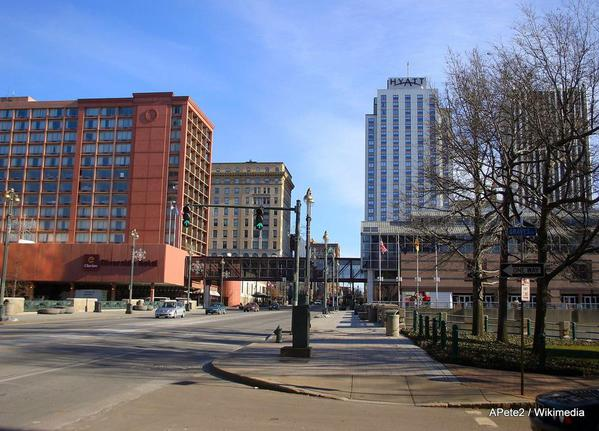 Rochester_-_Main_Street_looking_eastApete2