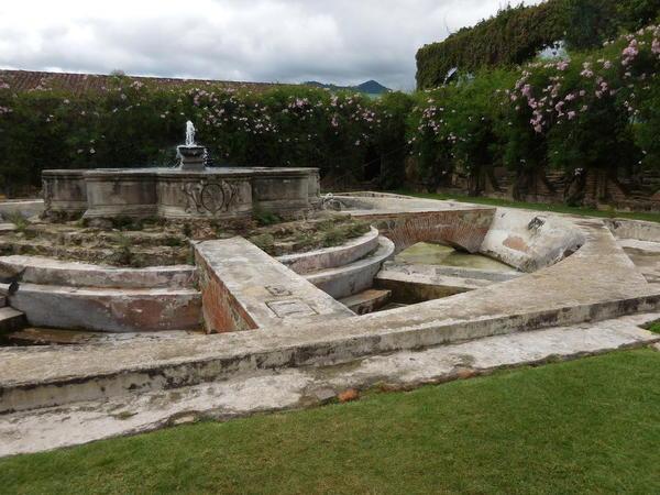 38 2015-11 Guatemala Antigua Santo Domingo Monastery 21